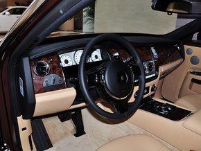 劳斯莱斯古思特   的内饰设计在保留劳斯莱斯   汽车   选高清图片