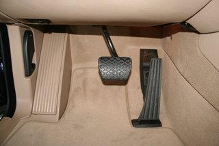 德国宝马 X5 油门刹车踏板