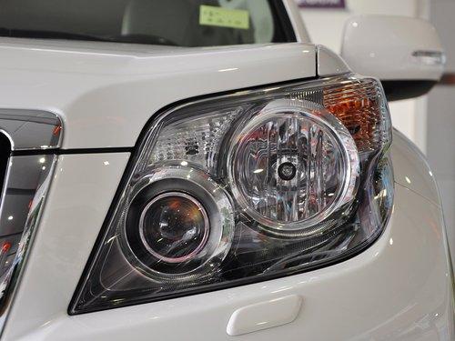 一汽丰田  4.0L AT 车辆大灯细节