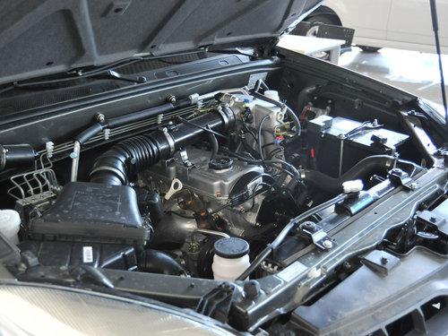 哈弗汽车  H5欧风版 2.4L MT 发动机主体特写