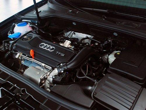 奥迪(进口)  A3 Sportback 1.4T 发动机主体特写