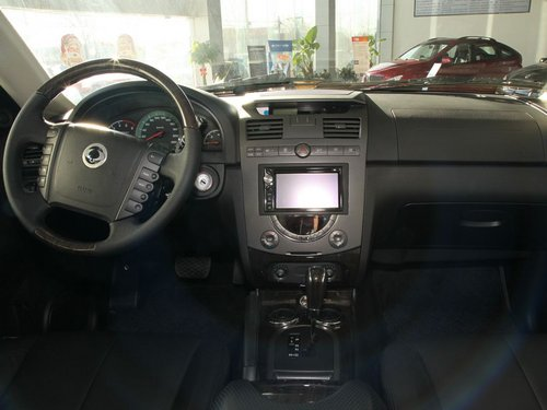 双龙汽车  RX270 Xdi 2.7T AT 中控台整体