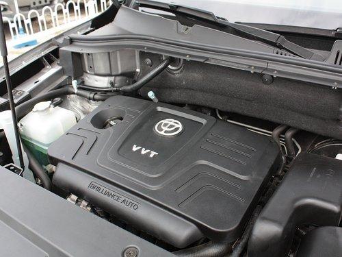华晨中华  1.6L 自动 发动机主体特写