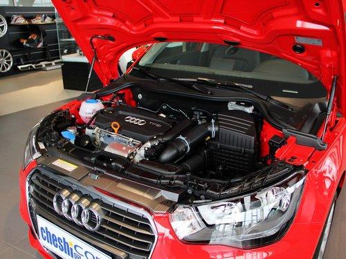 奥迪(进口)  A1 30TFSI 1.4T 发动机主体特写