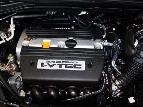 东风本田  CR-V 2.4L AT 发动机主体特写