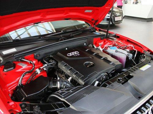 奥迪(进口)  A5 2.0TSI CVT 发动机主体特写