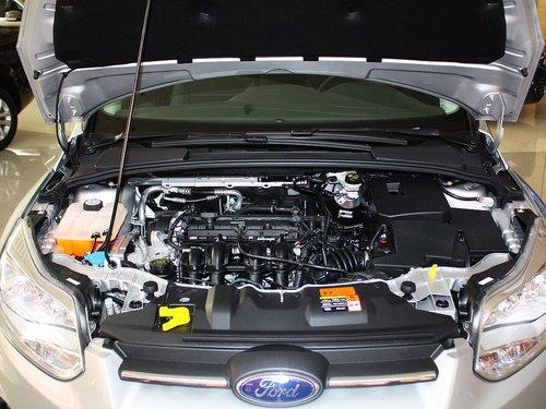 长安福特  新福克斯两厢 1.6L AT 发动机局部特写