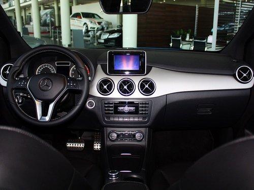 奔驰(进口)  B200 1.6T 中控台整体