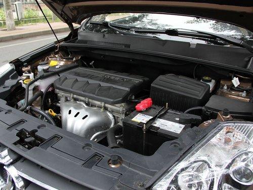吉利全球鹰  GX7 2.4 AT 发动机主体特写