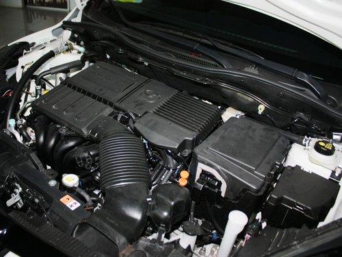 长安马自达  Mazda2两厢 1.5AT 发动机主体特写