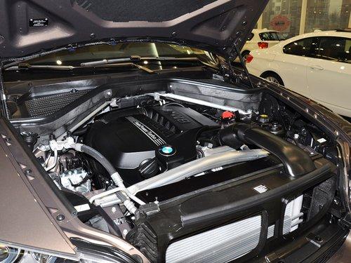 宝马(进口)  3.0T 发动机主体特写