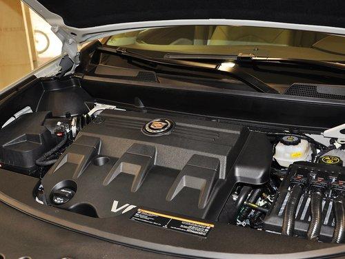 凯迪拉克(进口)  SRX 3.0L AT 发动机主体特写