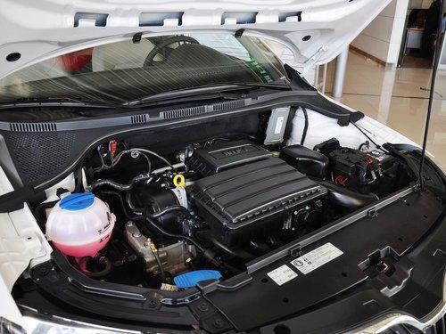 斯柯达  Rapid 1.6L AT 发动机主体特写