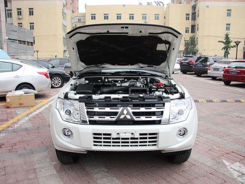 三菱(进口)  3.0L 自动 车辆发动机舱整体