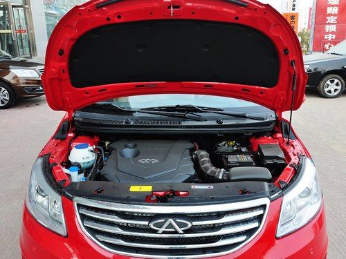 奇瑞汽车  1.5 手动 发动机局部特写