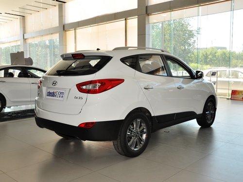 北京现代  GLS 2.0L 自动 车辆右侧尾部视角