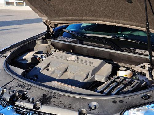 凯迪拉克(进口)  3.0L 发动机主体特写