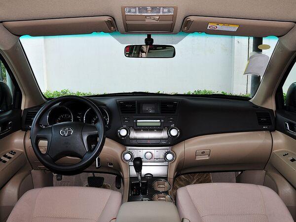 广汽丰田  3.5L 自动 中控台整体