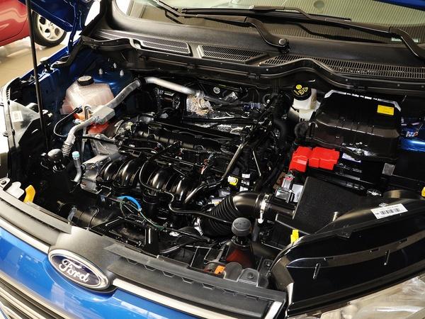长安福特  1.5L DCT 发动机主体特写