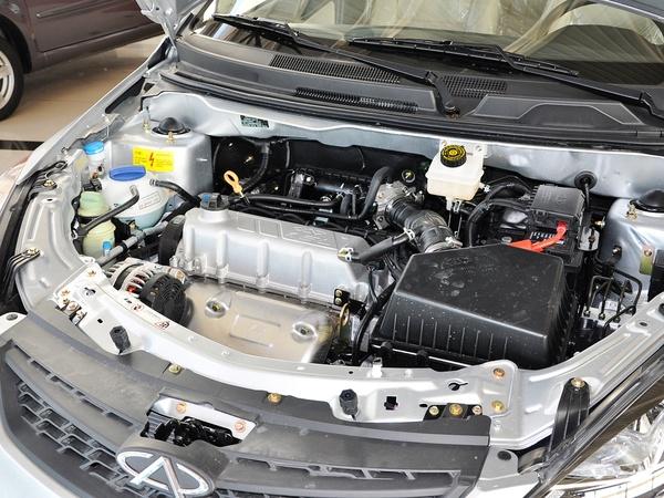 奇瑞汽车  掀背 1.5L 手动 发动机主体特写