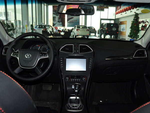 北京汽车(绅宝)  2.3T 自动 中控台整体