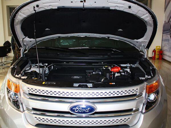 福特(进口)  3.5L 自动 发动机局部特写