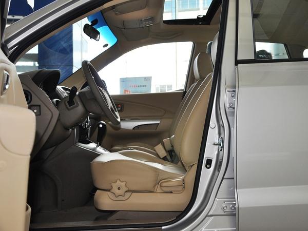 北京现代  2.0L 自动 驾驶席座椅正视图