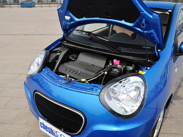 吉利汽车  1.3L 手动 发动机主体特写