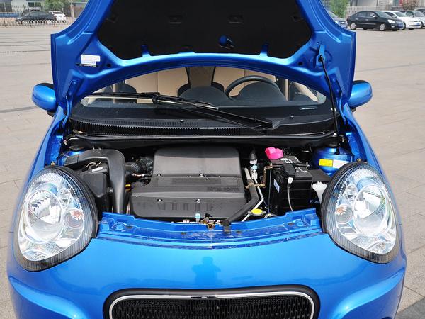 吉利汽车  1.3L 手动 发动机局部特写