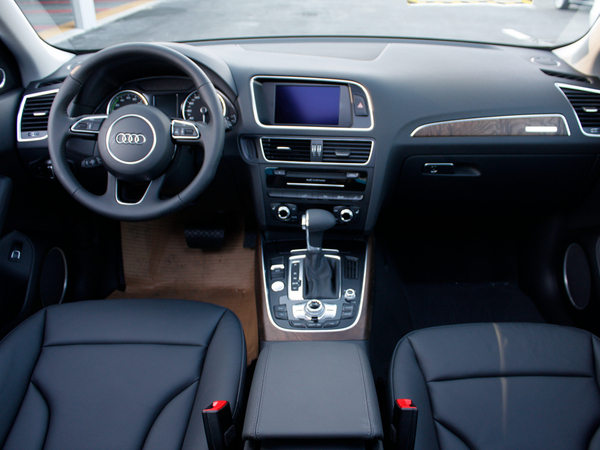 奥迪(进口)  Hybrid quattro 中控台整体