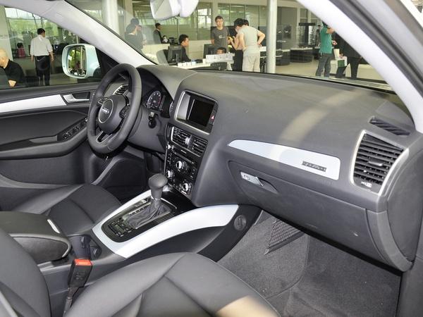 一汽奥迪  40 TFSI quattro 中控台右侧