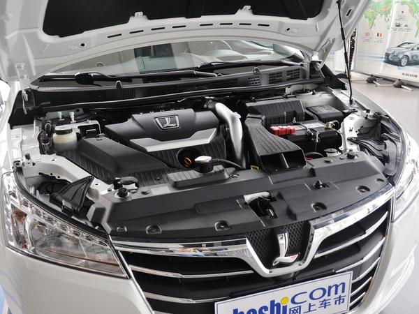 东风裕隆  1.8T 自动 发动机主体特写