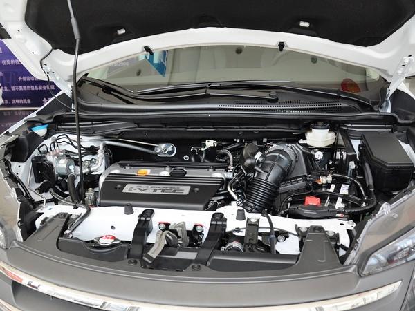 东风本田  2.4L 自动 发动机主体特写