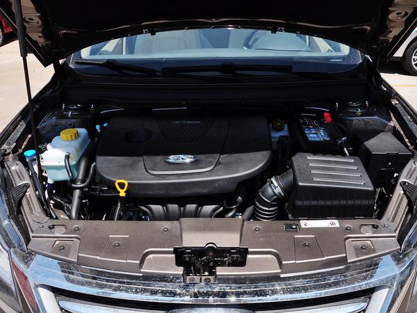 奇瑞汽车  1.6DVVT 手动 发动机局部特写