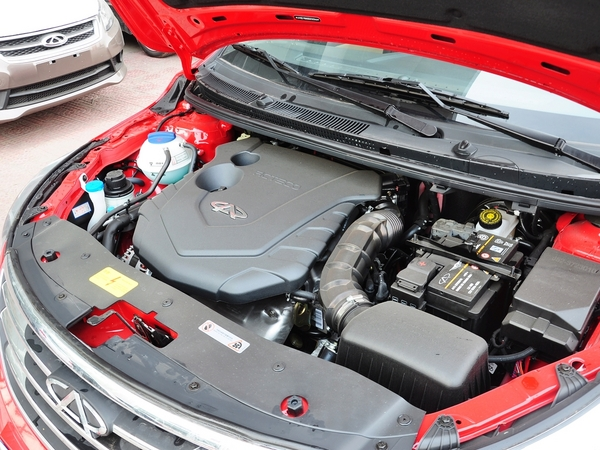 奇瑞汽车  1.5 手动 发动机主体特写