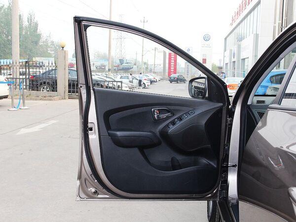 北京现代  改款 GL 2.0L 手动 左前门板