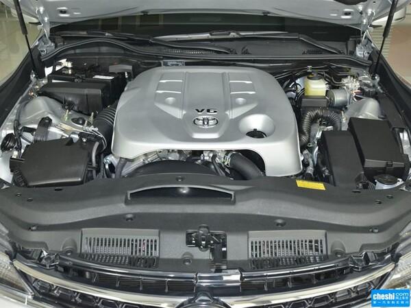 一汽丰田  2.5V 自动 方向盘左侧