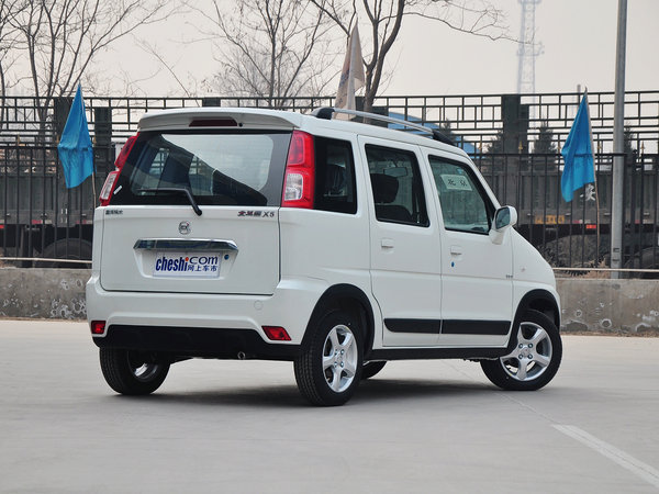 昌河铃木  1.4L VVT 车辆右侧尾部视角