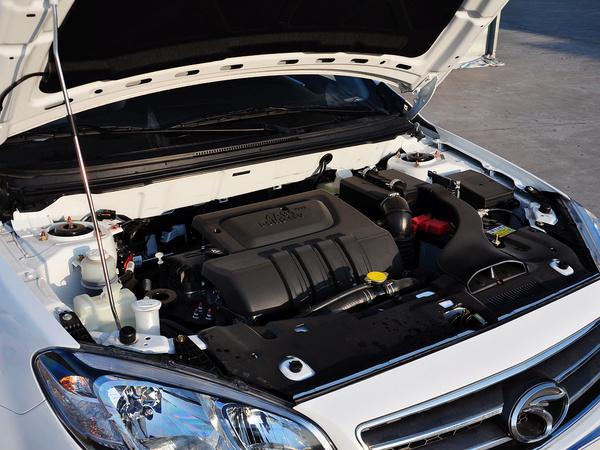 东南汽车  1.5L 手动 发动机主体特写