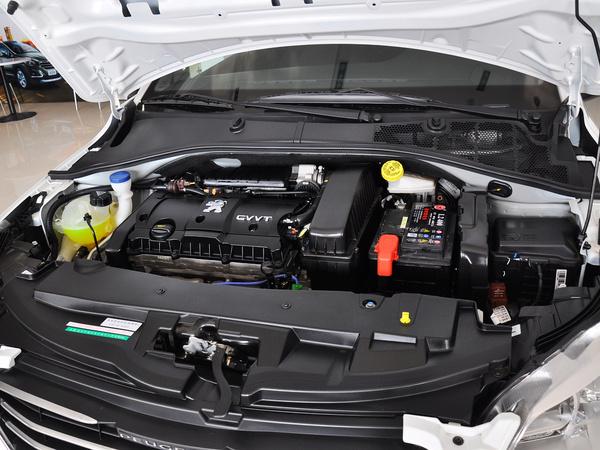东风标致  1.6L 手动 发动机主体特写