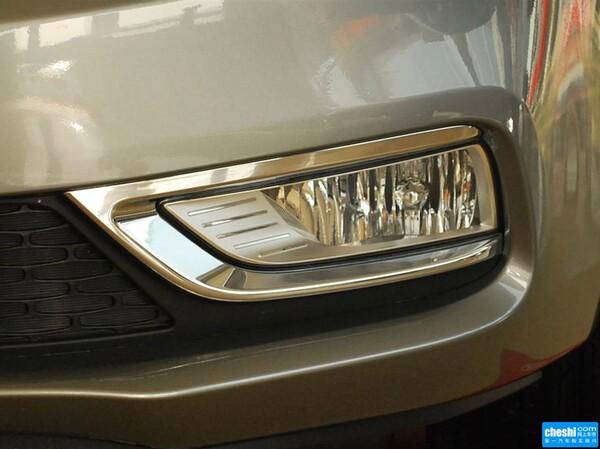 东风悦达起亚  1.6L 自动 车辆大灯细节