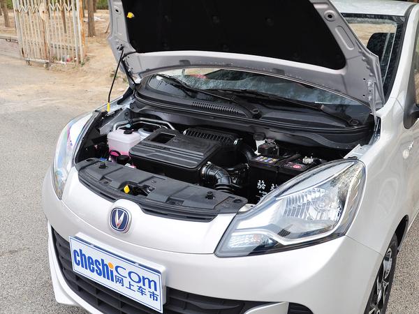 长安乘用车  1.4L 手动 发动机主体特写