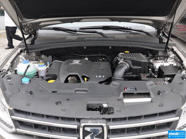 众泰  1.5T 手动 发动机局部特写