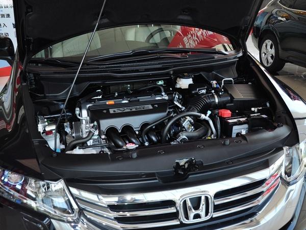 广汽本田  2.4L 自动 发动机主体特写