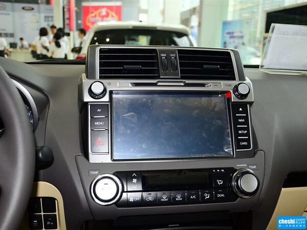 丰田(进口)  2.7L 自动 中控台