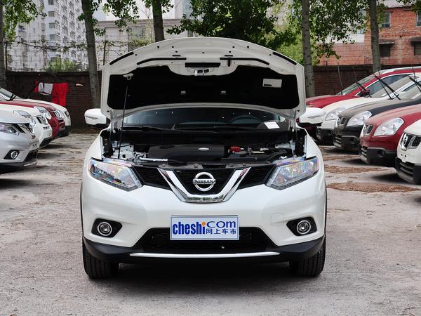 东风日产  2.5L XL CVT 车辆发动机舱整体