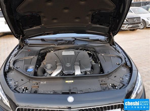 奔驰(进口)  S 63 AMG 发动机局部特写