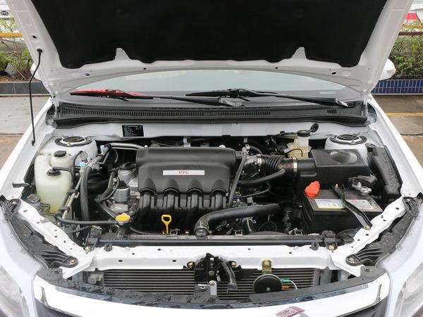 比亚迪  1.5L 手动 发动机局部特写
