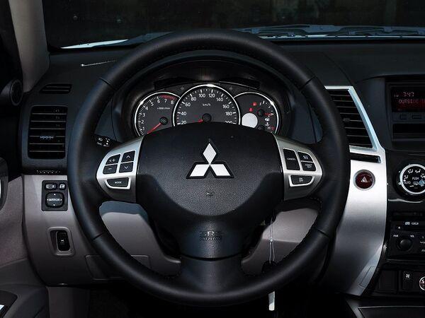 广汽三菱  3.0L 自动 方向盘