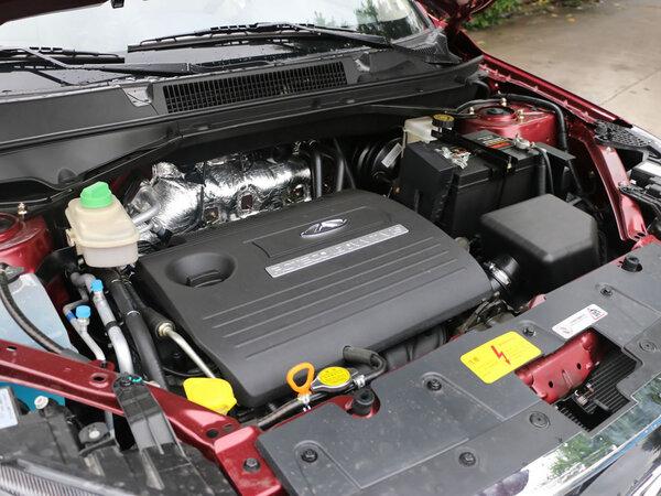 奇瑞汽车  1.6L CVT 发动机主体特写